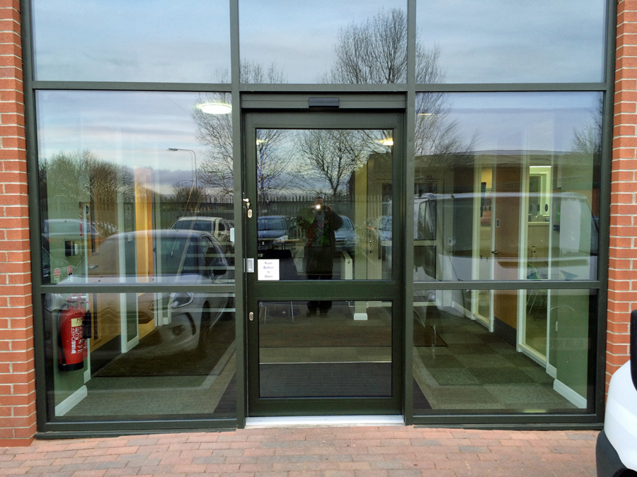Automatic doors in leeds west yorkshire for Automatic sliding door